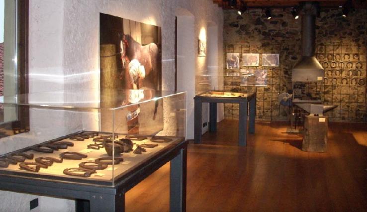 museo etnografico alta Brianza - - 1