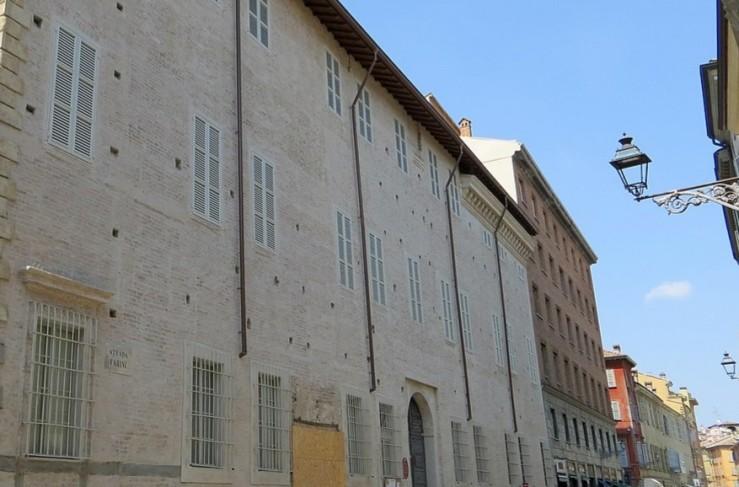 palazzo tarasconi parma __-